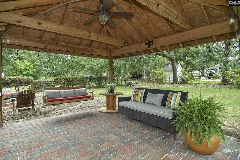 Pristine Gem minutes from downtown Columbia SC, holiday rental in Seven Oaks