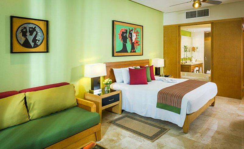 Vidanta Grand Mayan Master Room Sleeps 4 - Cancun Riviera Maya, holiday rental in El Hijo Prodigo