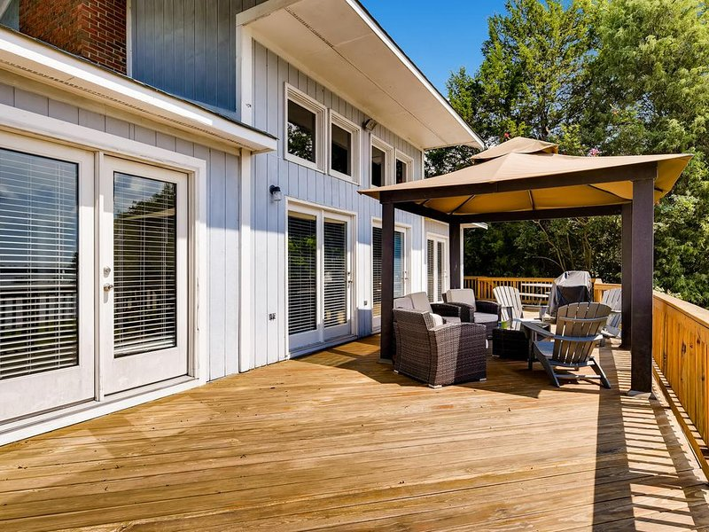 Large lakeside deck with open and covered areas - amazing views of Lake Norman!
