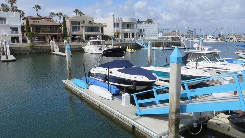 Constitution Beach House - Ground Floor Single Level, 3 bedroom on the Water!, holiday rental in Coronado