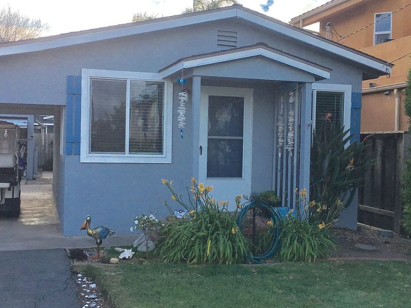 The perfect little beach cottage! Seasonal Long Term Cayucos Vacation Rental, alquiler de vacaciones en Cayucos