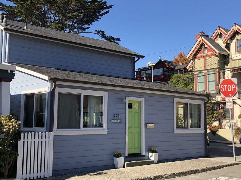IDEAL LOCATION! Steps 2 Beach,Shops,Dining/Great Yard 4 BBQ, location de vacances à Soquel