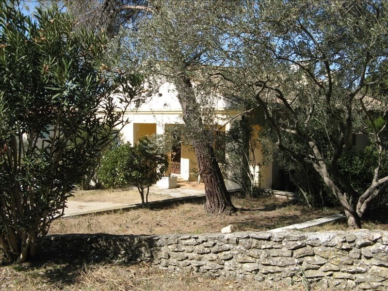 Provençal House with 12 X 6 Pool Surrounded by the Alpilles, holiday rental in Arles