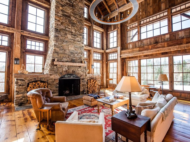 Luxury Custom Built Post and Beam Retreat, holiday rental in Green Mountains