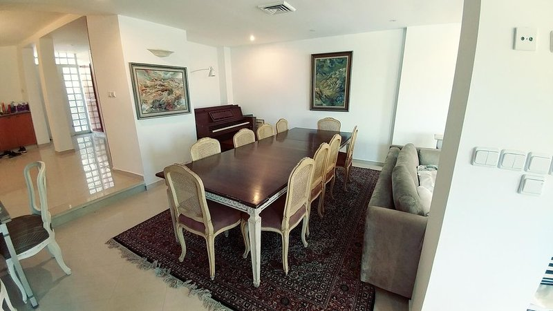 Fabuslous Villa in a beautiful Jerusalem Suburb, holiday rental in Kefar Uriyya