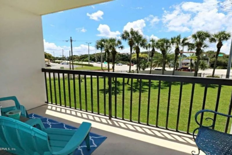 Ocean  Side Condo with heated Pool B-35, vacation rental in Saint Augustine Beach