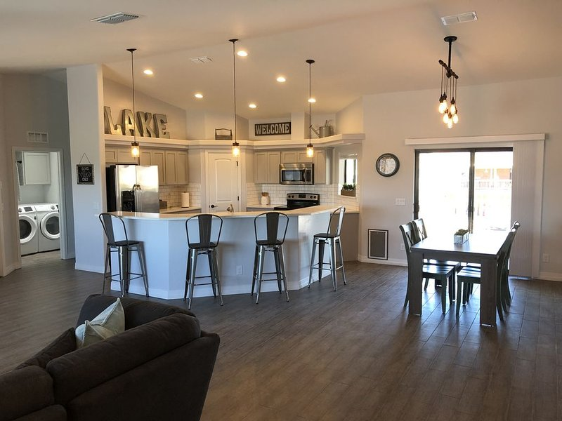 Lake House Havasu ,Good Vibes Only !, holiday rental in Topock
