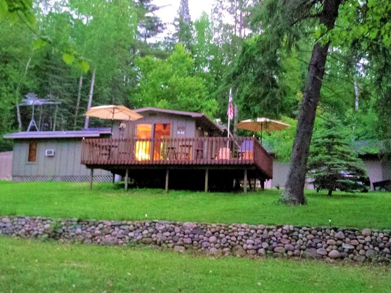Quiet, Cozy, Private Lake Cabin, casa vacanza a Outing