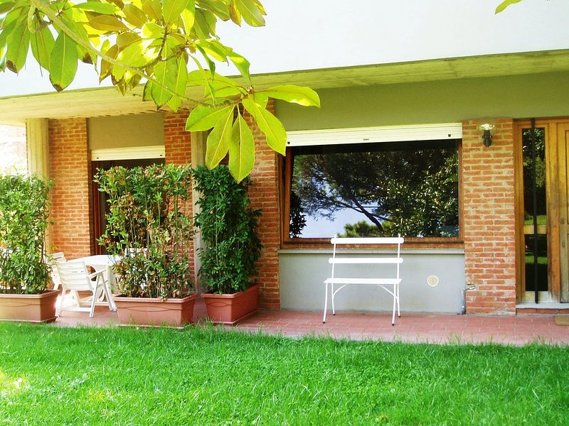 At Il Geranio you feel like to be at home .... away, holiday rental in Tirrenia