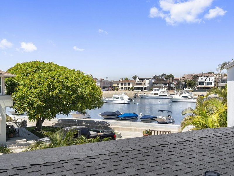 Charming Bayview Upstairs Vacation Getaway, location de vacances à Balboa Island