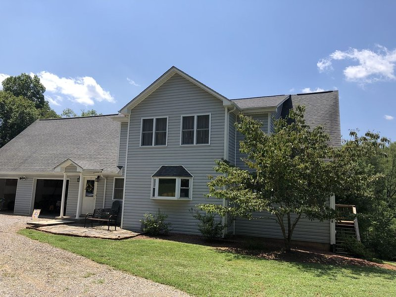 The Gathering  House, holiday rental in Lawsonville