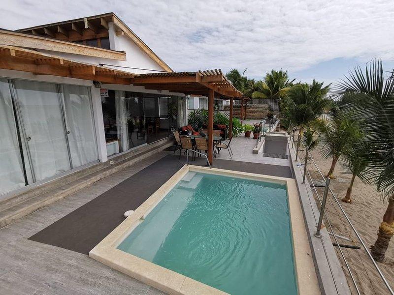 Grand Admiral beach house / Ocean Front / Family Friendly, location de vacances à Zorritos