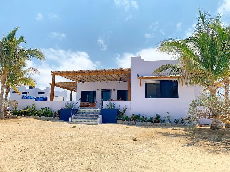 360 degree sea and mountains views in private house on an acre lot, holiday rental in El Sargento