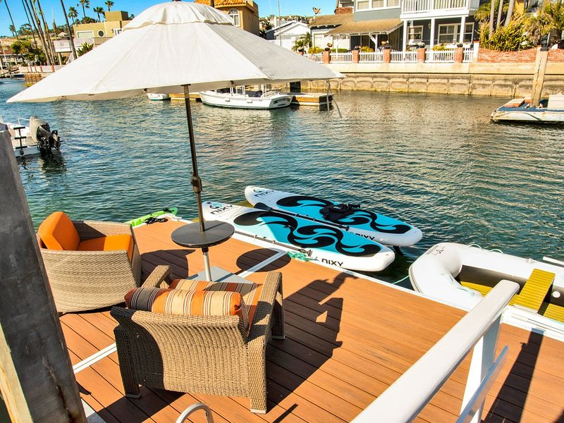 Breakwater Luxury Villa On The Harbor W/ Boat Dock 2 Bks to Beach W/Central Air, vacation rental in Newport Beach