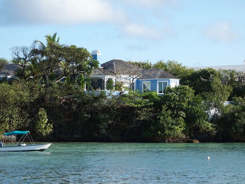 The Blue Ruin - Historic waterfront property with private dock, vacation rental in Dunmore Town