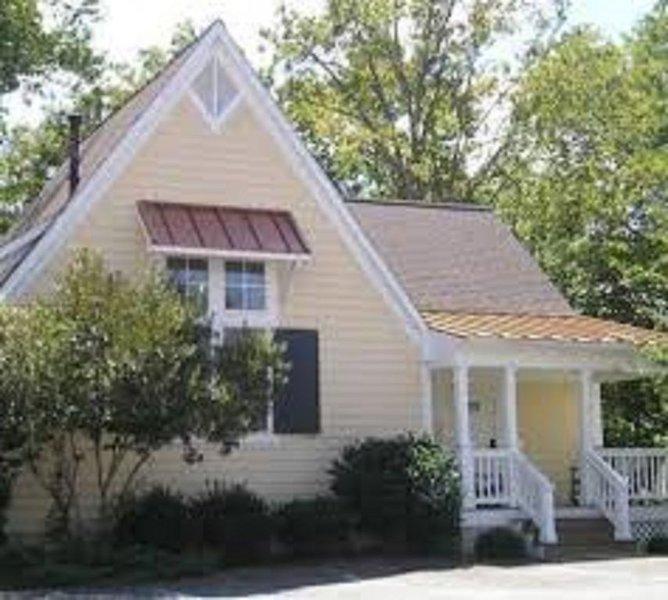 One Bedroom Cottage * King's Creek Plantation, alquiler de vacaciones en Williamsburg