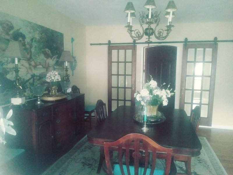 The Guest House at The Regina House Tea Room, holiday rental in Wilkes-Barre