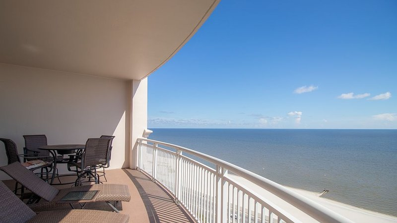 Dreams Are Made Of Sun & Sand! Breathtaking View! And, With Reserved Parking! – semesterbostad i Gulfport