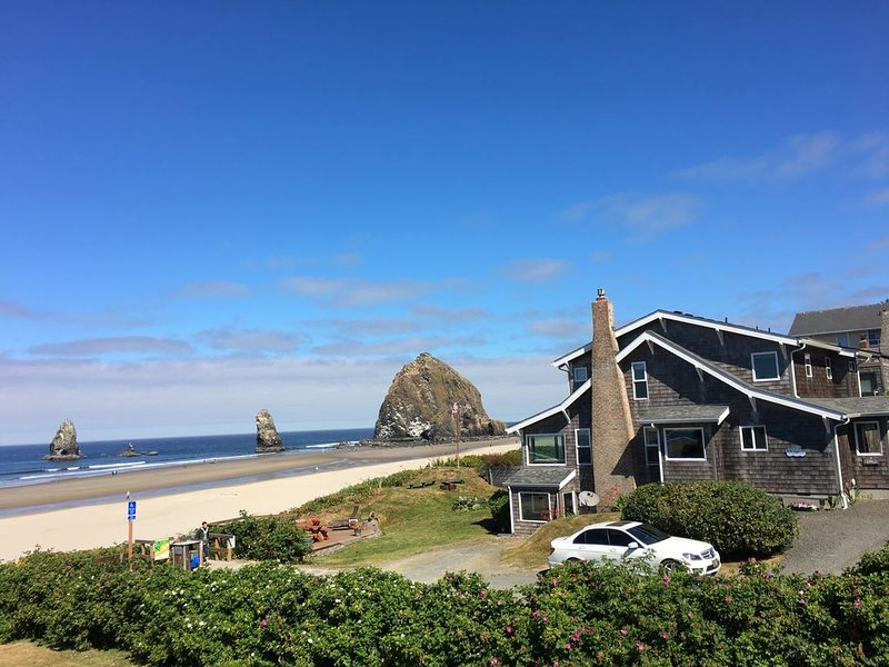 Ocean Front Home in Cannon Beach, Oregon., aluguéis de temporada em Cannon Beach