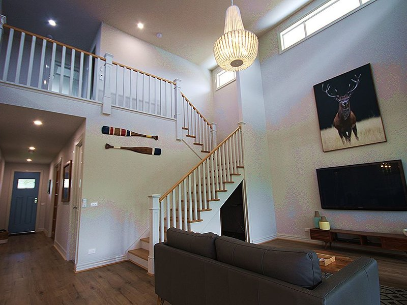 Canterbury House - amazing property in the heart of Venus Bay #148, holiday rental in Buffalo