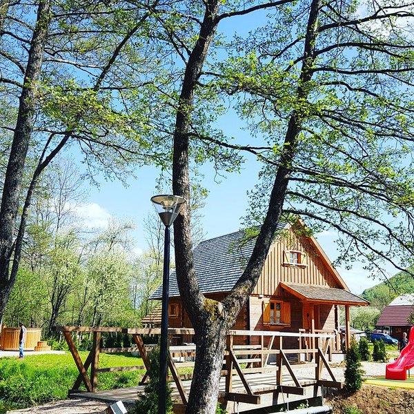 Plitvice Vodenica Vrelo Chalet, vacation rental in Vrelo Korenicko