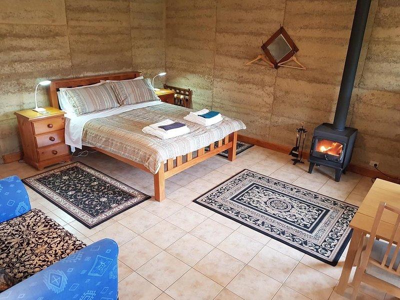 Corinium Roman Villa -Bed and Breakfast, vacation rental in Yankalilla
