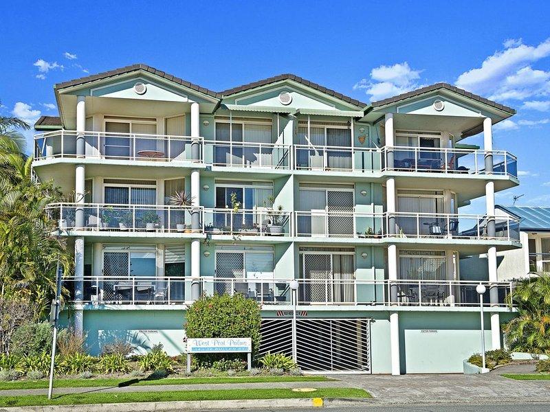 Westport Palms, 14 Buller Street,, holiday rental in Port Macquarie