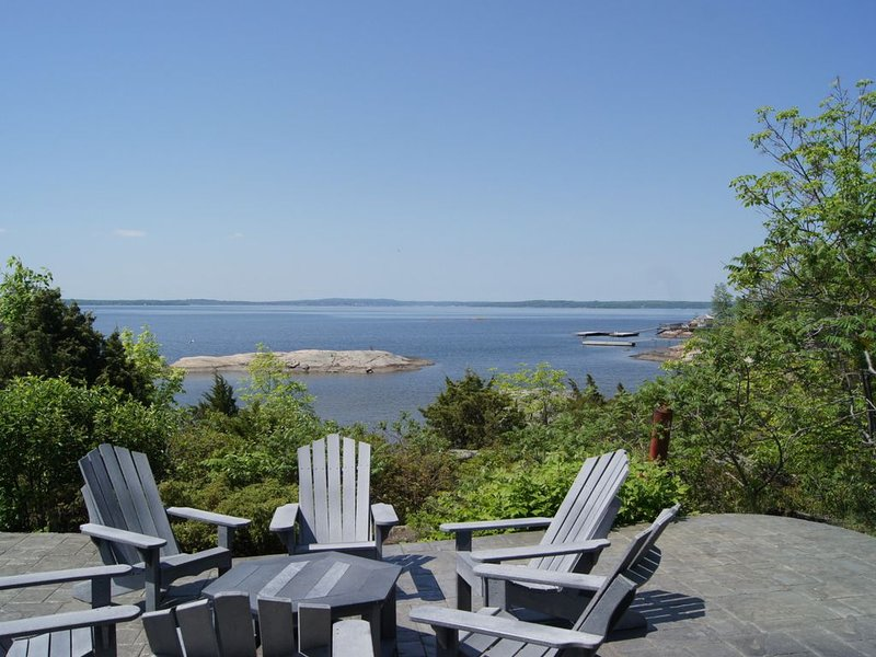 Spectacular Georgain Bay Cottage, holiday rental in Big Chute