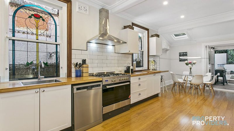 Timeless Holiday House at Cremorne, vacation rental in Cremorne