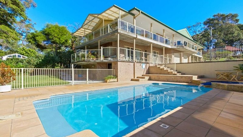 Sunrise Road Everything at your fingertips, vacation rental in Moruya