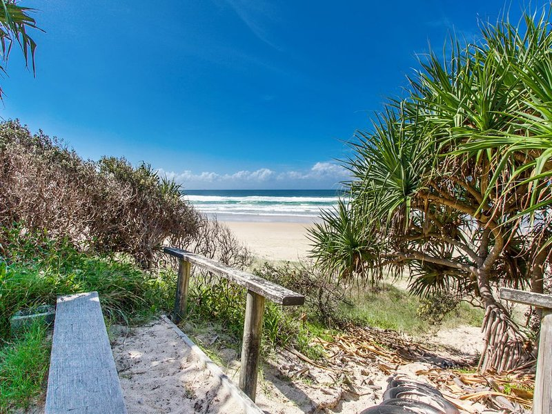 A SWEET ESCAPE - Beachfront Tranquility, vacation rental in Suffolk Park