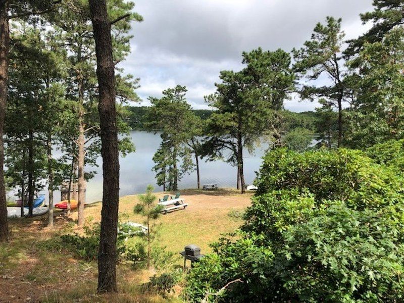 Cozy one bedroom on White pond, location de vacances à West Chatham