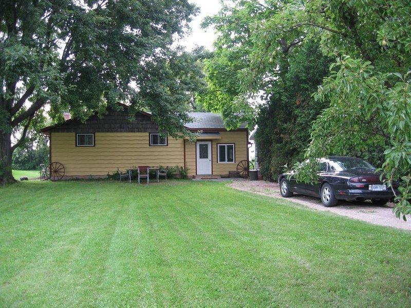 Lakefront Family Cottage, aluguéis de temporada em Bluewater