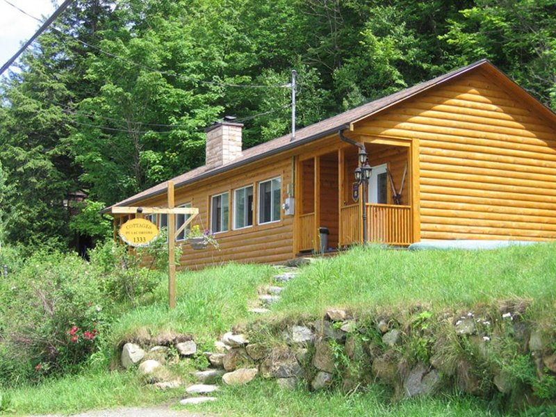 Magnifique Cottage B, Côté Skis, holiday rental in North Hatley