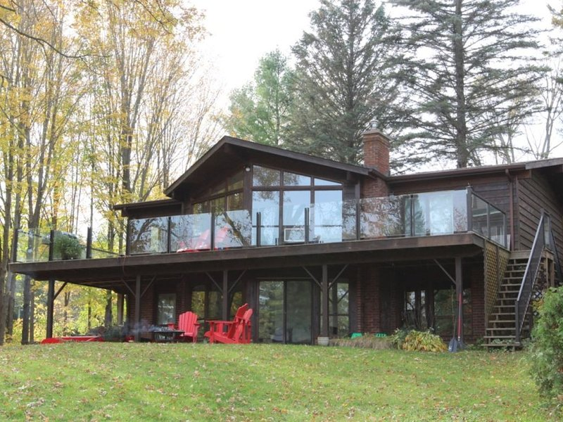 Gorgeous home on Stoney Lake, vacation rental in North Kawartha