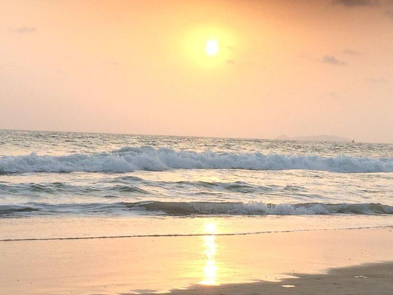 Majorda Beach Holiday Apartment in South Goa, holiday rental in Utorda
