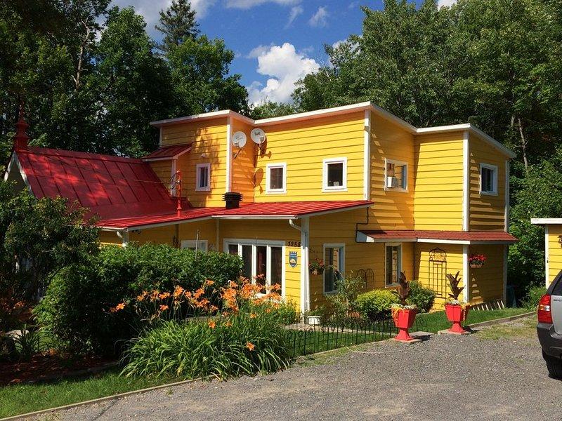 Gîte chez Lulu et Lutin - Gîte chez Lulu et Lutin - Chambre Queen, location de vacances à Sainte-Lucie-des-Laurentides