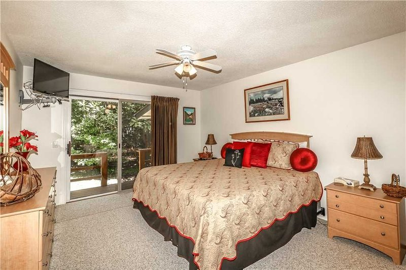 LOVELY CORTEZ COURTS TOWNHOME - $105 PER NIGHT - NON SMOKING/NO PETS, vacation rental in Hot Springs Village