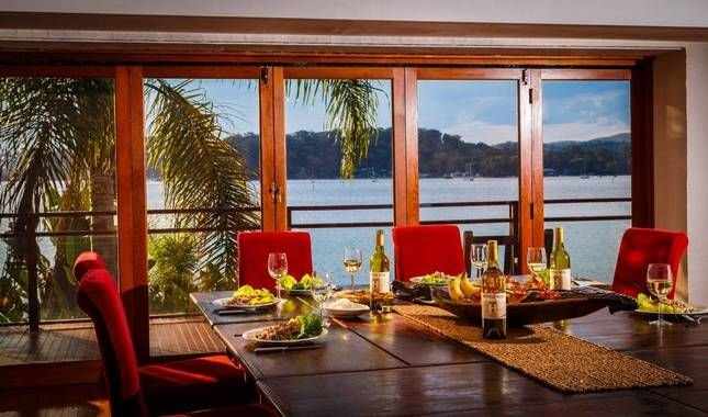 Boat House on Hawkesbury - heated pool, spa and stunning views, casa vacanza a Berowra Waters