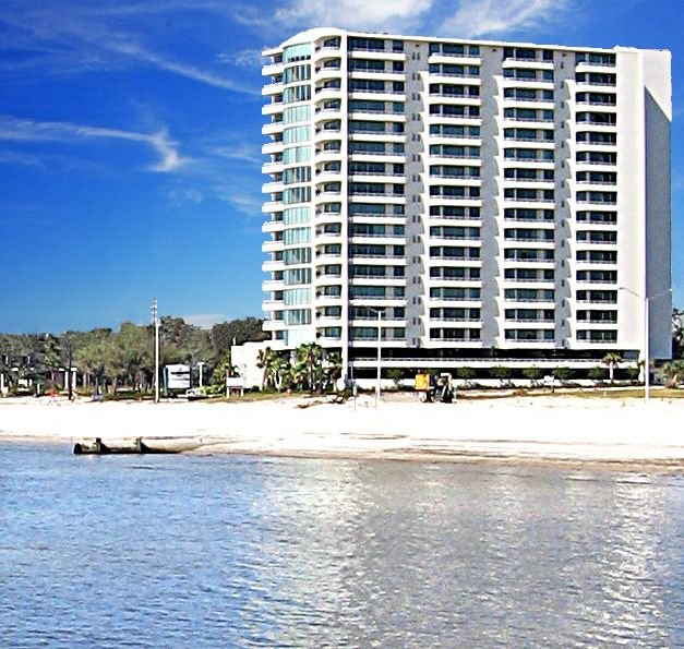 MARCH Snowbird Special ~  Affordable LUXURY Biloxi Beach Condo next to Casino – semesterbostad i Biloxi