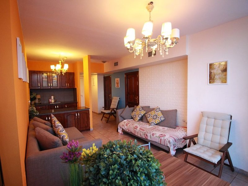 Fantastic Apartment right in City Center!, alquiler de vacaciones en Mevaseret Zion