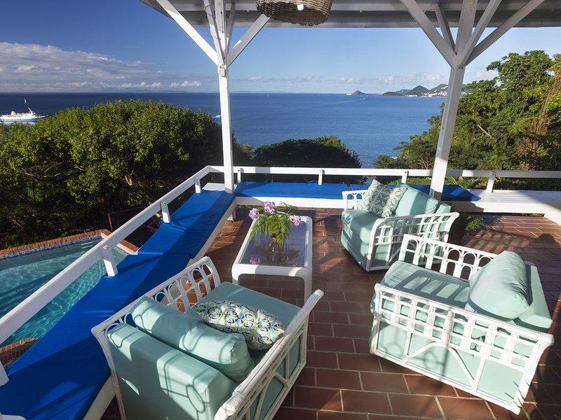 STUNNING PANORAMIC SEA VIEWS  - SUPERHOST 5*****  VILLA, holiday rental in Castries Quarter