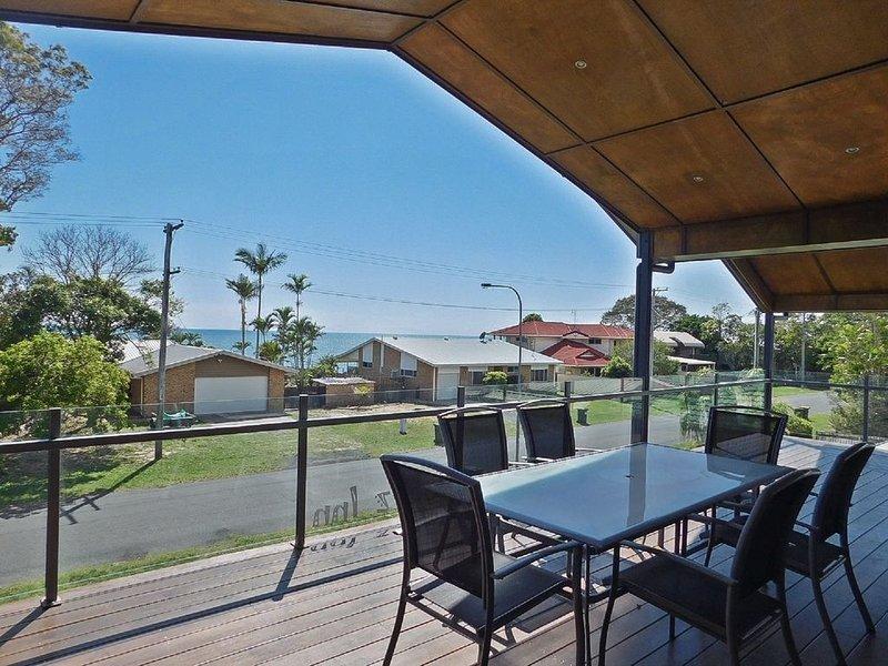 Jokez Inn - Toogoom Beach- Water Views- Close to Beach, holiday rental in Toogoom