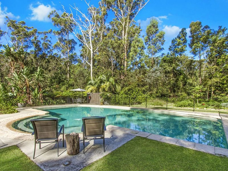 Wirreanda Retreat Acreage - Amazing Summer Pool & Wifi, casa vacanza a Kincumber