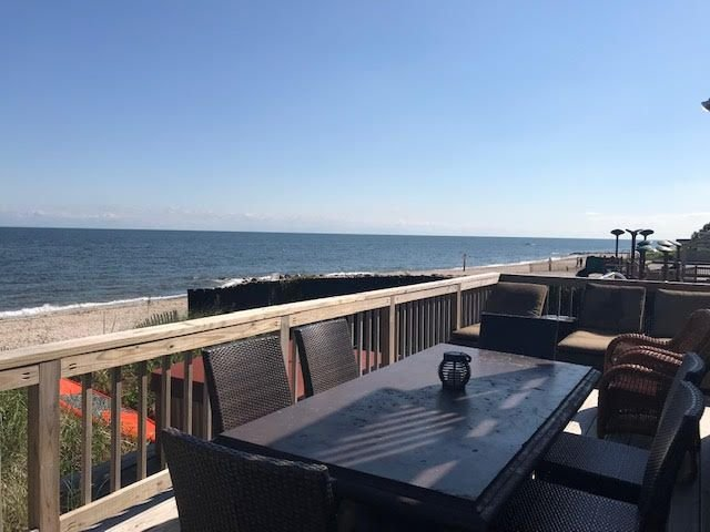 5BR Luxurious  Mermaid Inn Beach House Wineries Farms Hamptons Private Beach, location de vacances à Rocky Point