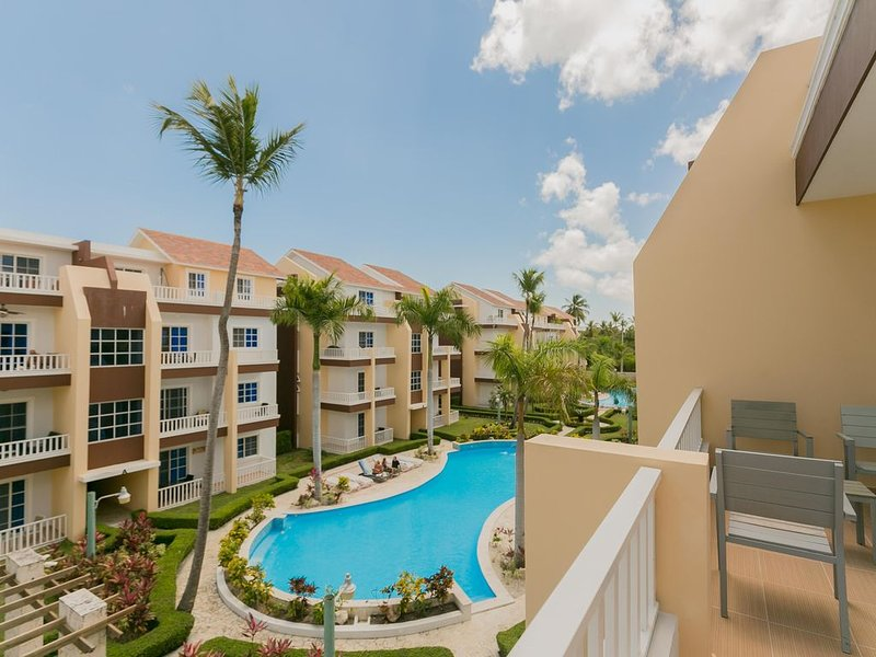 Estrella Del Mar H6,  PH, Pool, BBQ Grill, Walk to Beach, holiday rental in Punta Cana