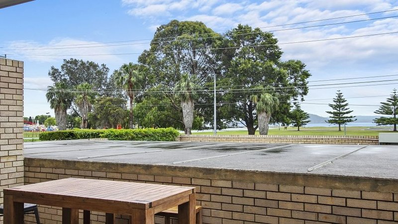 2 The Commodore Unit, holiday rental in Batehaven