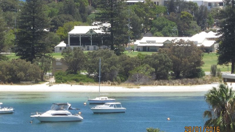 Great Views Great Location Great Lifestyle, holiday rental in East Fremantle