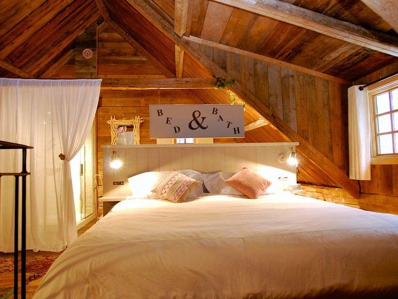 UN HAVRE DE PAIX DANS LES BOIS, vacation rental in Val-des-Lacs