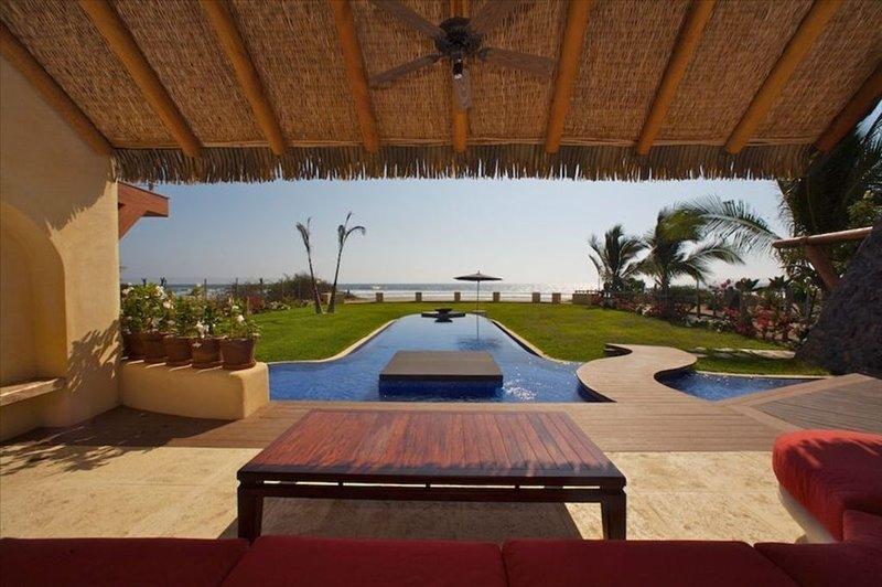 Modern Oceanfront Villa, holiday rental in Troncones